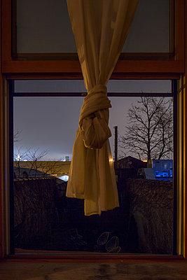 Knoten in der Gardine - p948m1113126 von Sibylle Pietrek
