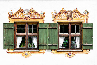 Painted facade - p248m1051745 by BY