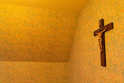 Kruzifix - p497m1008394 von Guntram Walter