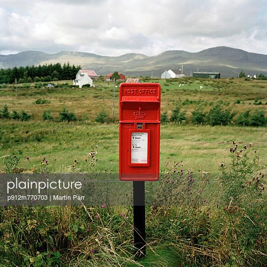 Scotland - p912m770703 by Martin Parr