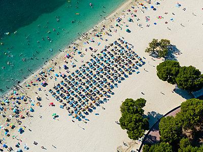 Spain, Mallorca, Aerial view of Santa Ponca beach - p300m1189133 by Martin Moxter