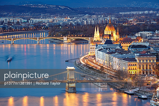 View of the Danube river, Chain Bridge (Szechenyi Lanchid) and the Parliament building - p1377m1381991 by Richard Taylor
