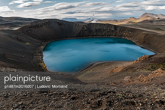 Viti Crater - p1487m2016007 by Ludovic Mornand