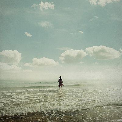 Surf - p1240m1057430 by Adeline Spengler