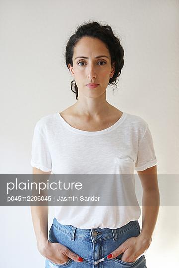 p045m2206045 by Jasmin Sander