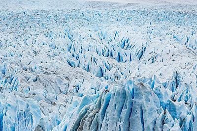 Full frame view of Perito Moreno Glacier, Los Glaciares National Park, Patagonia, Chile - p429m1495980 by Manuel Sulzer