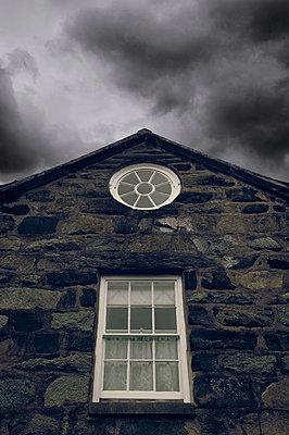 Traditionelles Steinhaus in Wales - p470m1556430 von Ingrid Michel