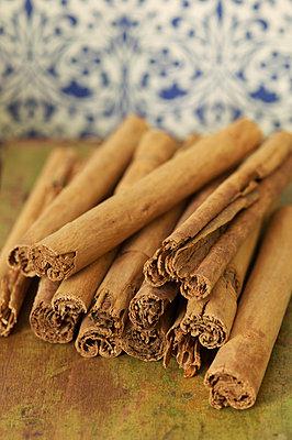 Cinnamon sticks - p4732176f by Stock4B