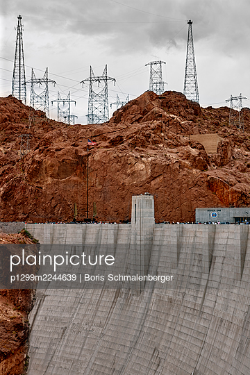 Hoover Dam and high-tension lines, Nevada - p1299m2244639 by Boris Schmalenberger