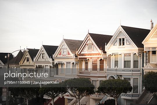 Gebäude in San Francisco - p795m1159945 von Janklein