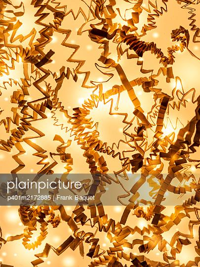 Paper stripes - p401m2172885 by Frank Baquet
