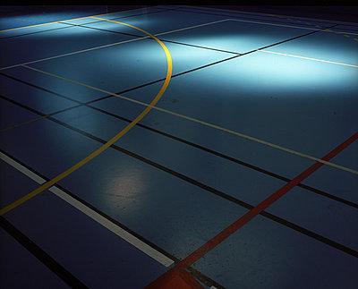 Sporthalle - p945m925145 von aurelia frey