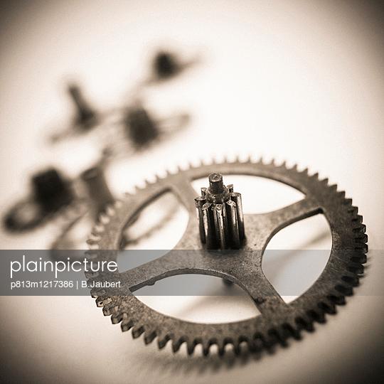 Gear wheel close-up - p813m1217386 by B.Jaubert