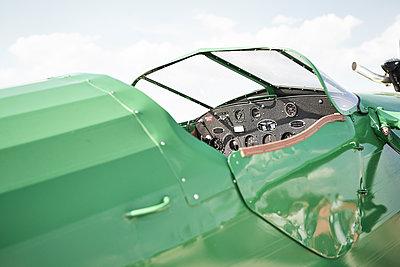 Cockpit - p587m1190422 von Spitta + Hellwig