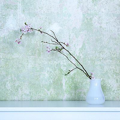 Frühlingszweig - p606m1440189 von Iris Friedrich