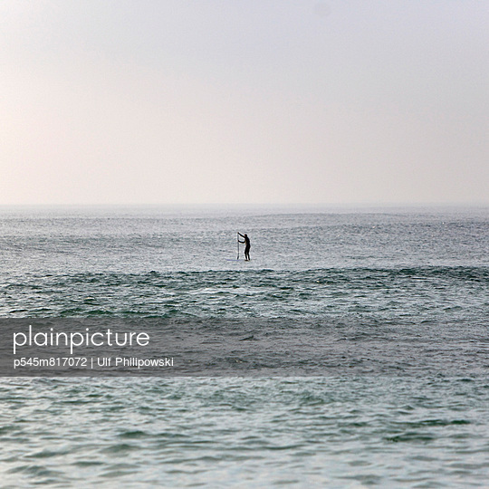 Stand Up Paddle - p545m817072 by Ulf Philipowski