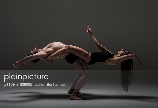 Moves - p1139m1208995 by Julien Benhamou