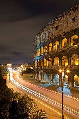 Time lapse view of Coliseum and traffic - p42917760 by Alex Holland