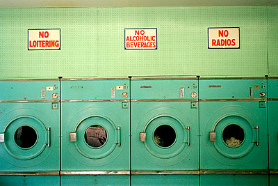 Laundromat - p3012010f by fStop