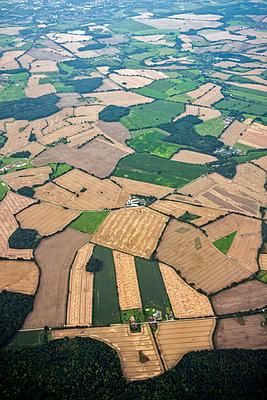 Kulturlandschaft Luftaufnahme - p229m1466263 von Martin Langer