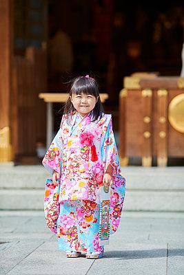 Japanese traditional Shichi-Go-San - p307m2023341 by Yosuke Tanaka