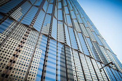 One WTC Reflection - p1290m1111102 by Fabien Courtitarat