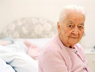 Elderly woman - p2270482 by Uwe Nölke