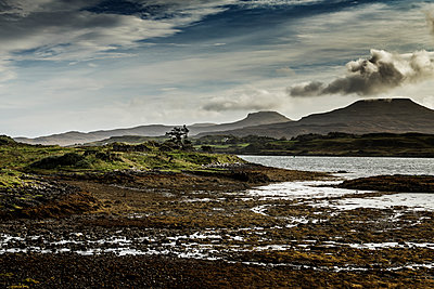 Highlands - p910m2008144 by Philippe Lesprit
