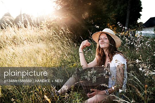 p1348m1586559 by HANDKE + NEU