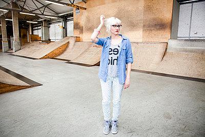 Sporty woman - p9040025 by Stefanie Päffgen