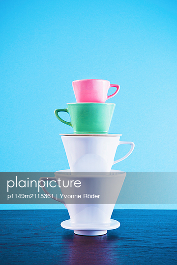 Stack of coffee filters - p1149m2115361 by Yvonne Röder
