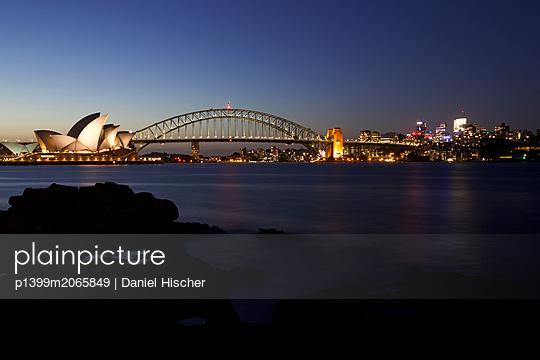 Skyline von Sydney - p1399m2065849 von Daniel Hischer