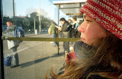 Bus stop - p0040660 by Torff