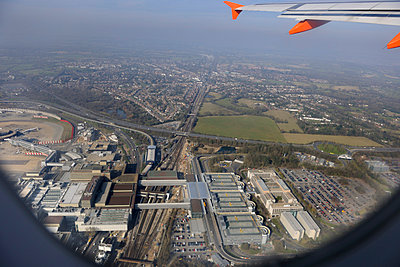 Gatwick Airport - p1048m813025 by Aviation