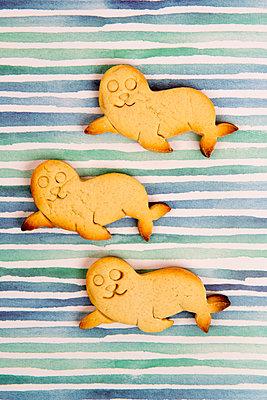 Drei gebackene Robben - p451m2072853 von Anja Weber-Decker