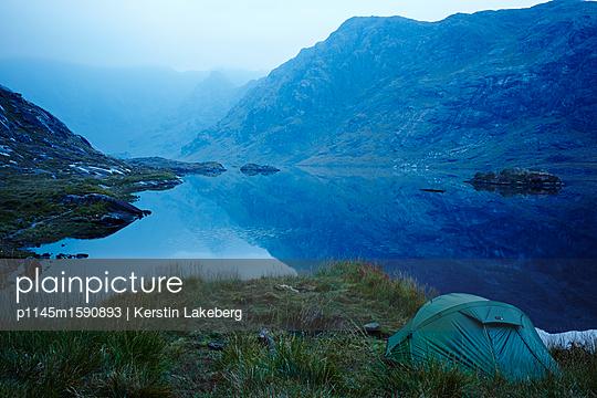 Morgendämmerung mit Blick auf die Cuilin Hills - p1145m1590893 von Kerstin Lakeberg