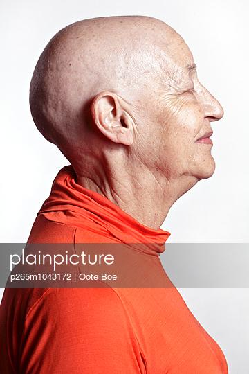 Plainpicture Plainpicture P265m1043172 Profil Einer Frau Mit