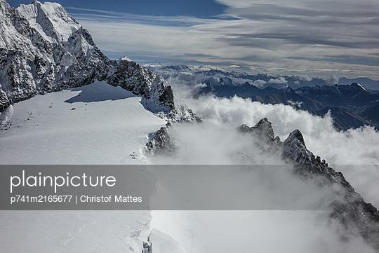 p741m2165677 by Christof Mattes