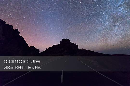 Light pollution - p608m1109911 by Jens Nieth