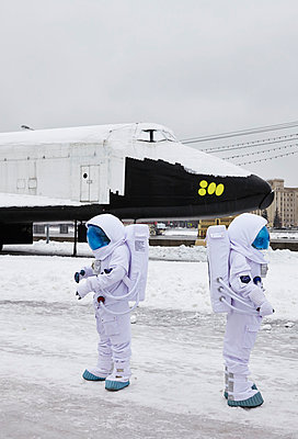 Astronauts - p390m813057 by Frank Herfort