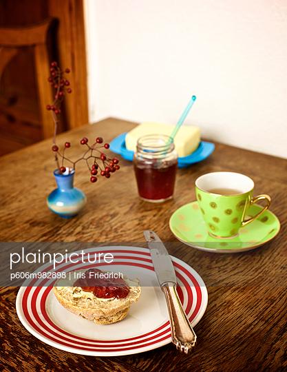 Marmeladenbrötchen - p606m982898 von Iris Friedrich