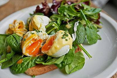 Breakfast - p390m1050209 by Frank Herfort