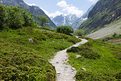Hiking path - p6370106 by Florian Stern
