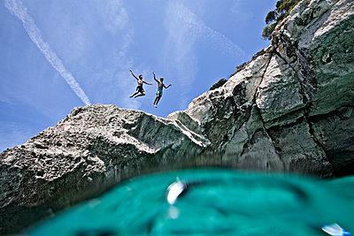 Jump - p713m2087675 von Florian Kresse