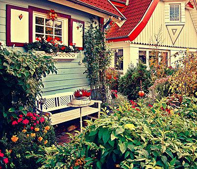 Gartenhaus - p979m1444898 von Andreas Grigoleit