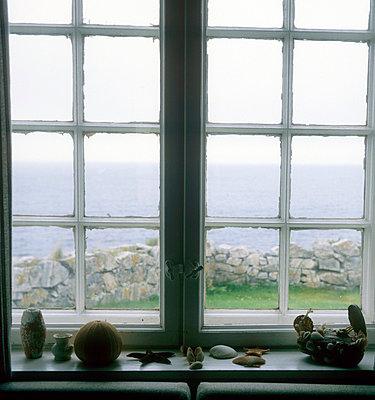 Window - p3225871 by Sari Poijärvi