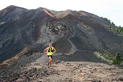 Trail Running - p608m1118777 von Jens Nieth