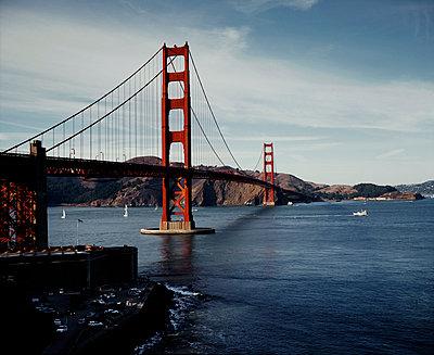 The Golden Gate bridge, San Francisco, California - p1028m2043537 by Jean Marmeisse