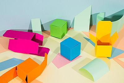 Kleine Papierboxen - p1423m2038060 von JUAN MOYANO