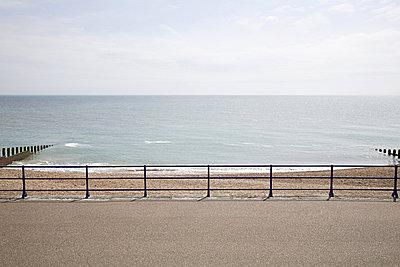 Horizon over sea and promenade - p9242472f by Image Source